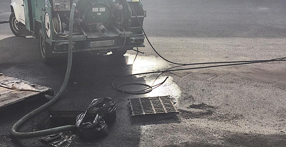 vidange fosse septique camion hydrocureur